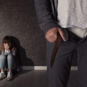 Opa schändet Ziege zu Tode, Pädo-Arzt filmt Kinder-Sex (Foto)