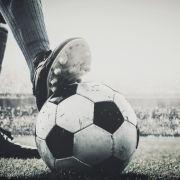 Englische Fußballlegende mit 77 Jahren gestorben (Foto)