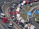 Auf einigen Autobahnabschnitten kann es sich am Wochenende, vom 13. bis 15. 8, stauen. (Foto)