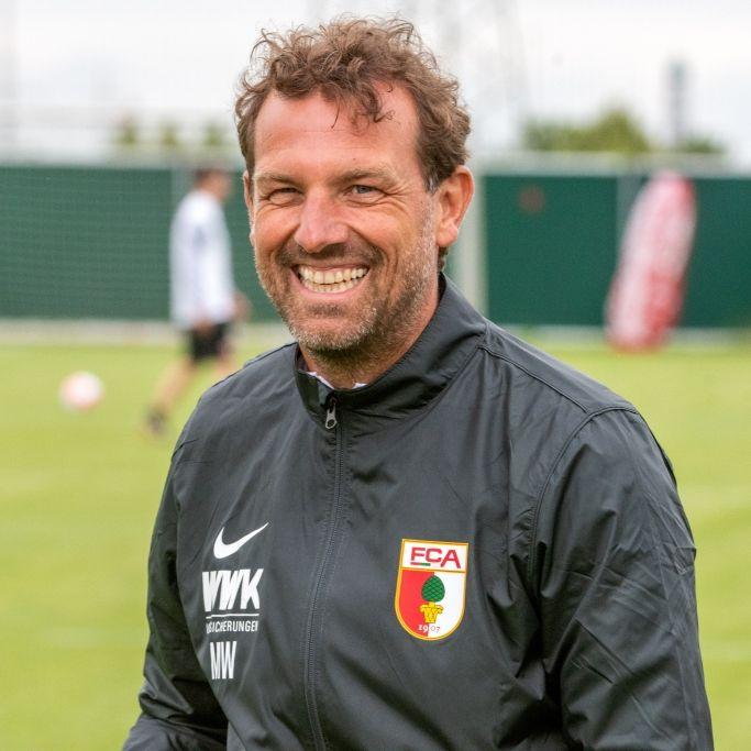 Frau, Kinder, Spieler-Karriere - So lebt der Augsburg-Trainer (Foto)