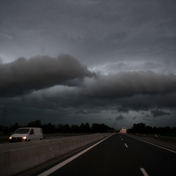 Sturm und Gewitter zum Wochenstart, heftige Niederschläge im Osten (Foto)