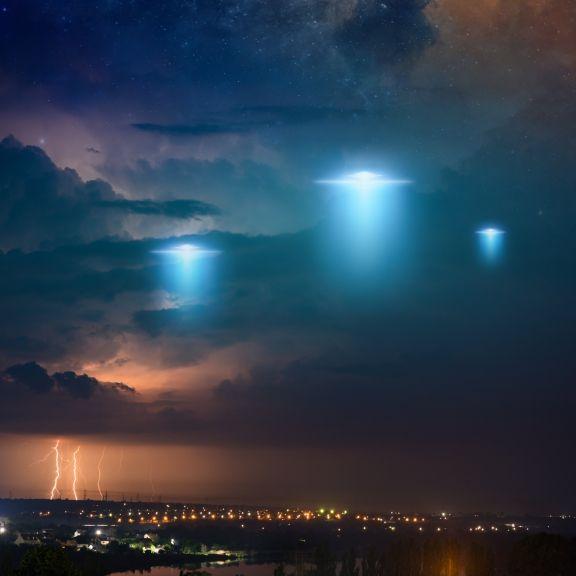 Mysteriöse Lichter! Tanzt HIER eine Ufo-Flotte am Nachthimmel? (Foto)