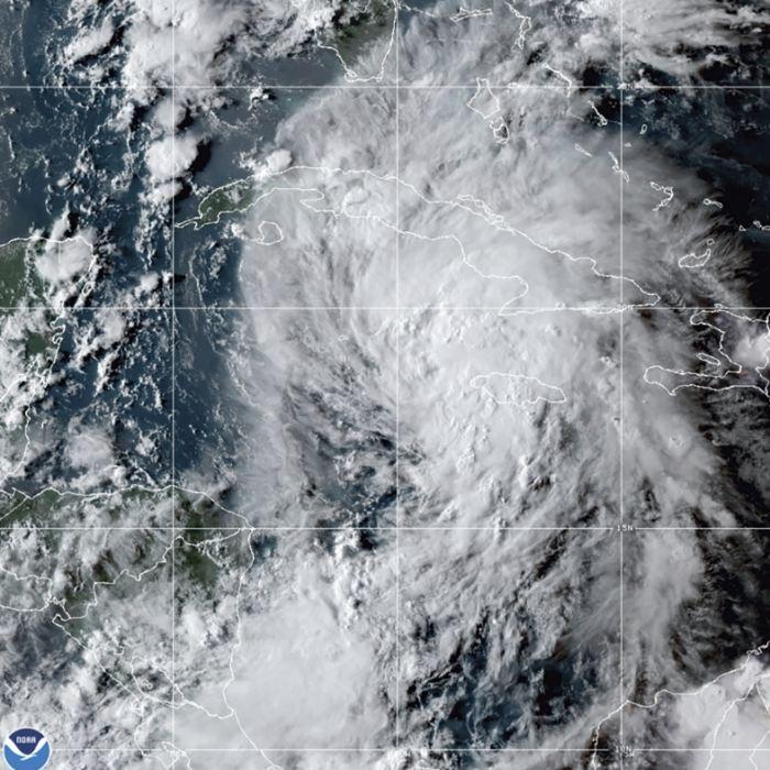 Mehr als 240 km/h möglich! USA zittert vor Monster-Sturm (Foto)