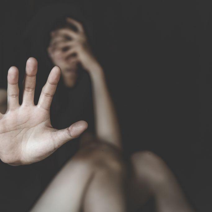 19-Jährige in Auto vergewaltigt - Täter flüchtig! (Foto)