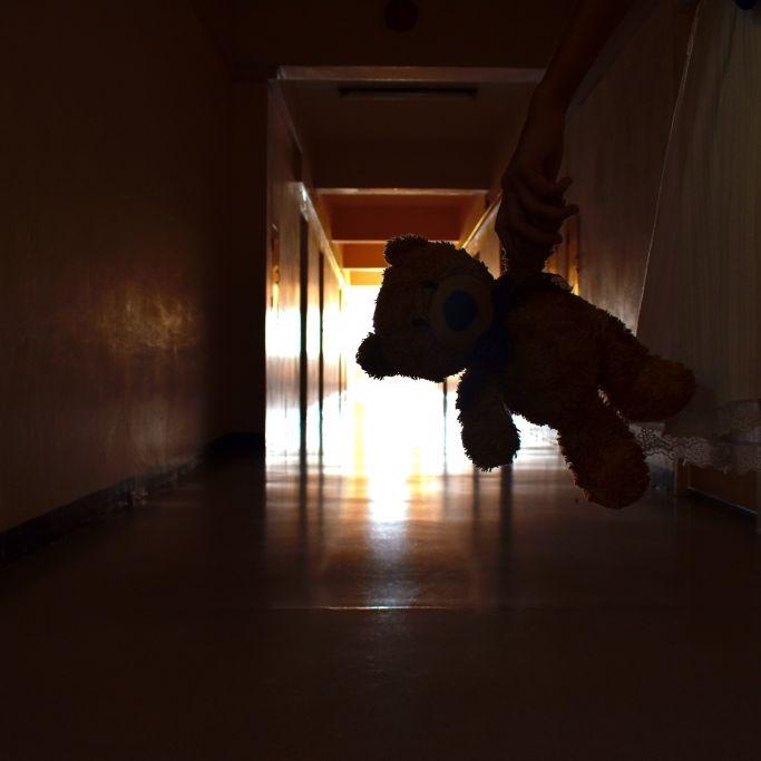 Ertränkt, erwürgt und erstochen! Mutter ermordet ihre Kinder (6, 8) (Foto)