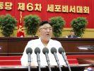Nordkoreas Machthaber Kim Jong-un trat deutlich erschlankt im nordkoreanischen Staatsfernsehen auf. (Siehe Video im Text). (Foto)