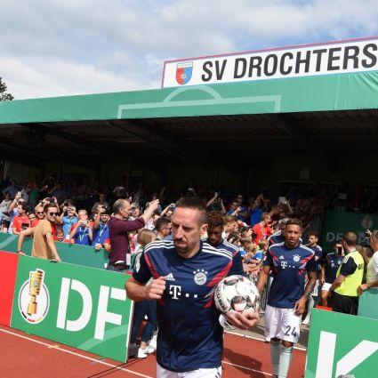 Bei DFB-Pokal-Spielen sind auch mal Bundesliga-Stars zu Gast im Kehdinger Stadion des SV Drochtersen/Assel.