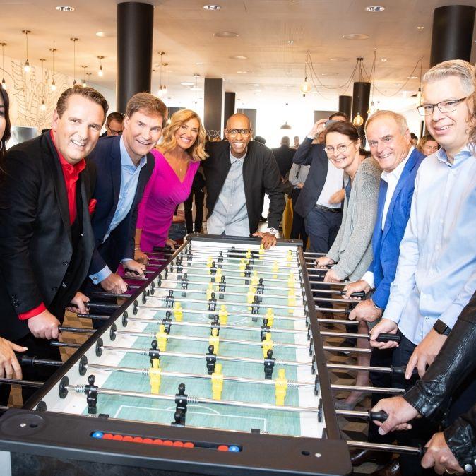 """Die Investoren der Vox-Show """"Die Höhle der Löwen"""" starten in die 10. Staffel von DHDL. (Foto)"""