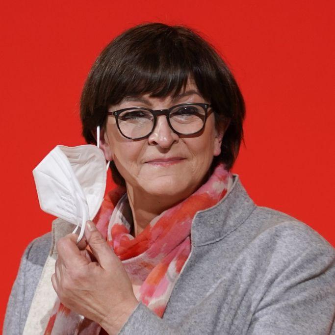 Mit Mann und drei Kindern! So lebt die SPD-Vorsitzende (Foto)