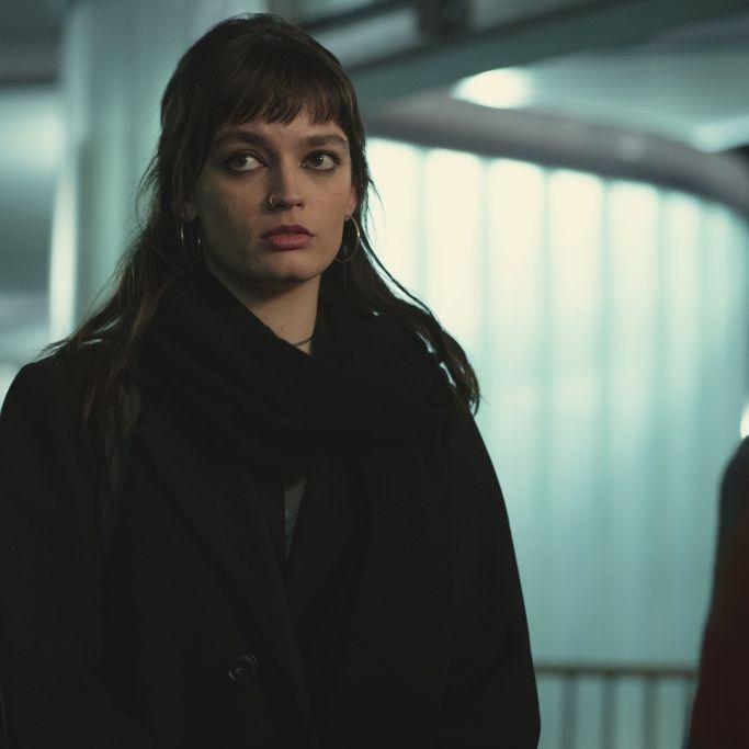 """Emma Mackey spielt in der Netflix-Serie """"Sex Education"""" die rebellische Maeve. (Foto)"""