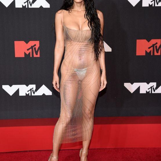 """Komplett durchsichtig! Im Nackt-Kleid rockte der """"Transformers""""-Star die VMAs (Foto)"""
