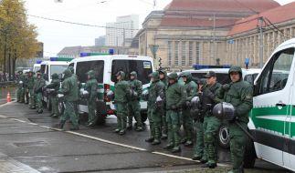 Die Leipziger Polizei rüstet sich mit einem Großaufgebot für die Demo gegen Rechts am Samstag. (Foto)