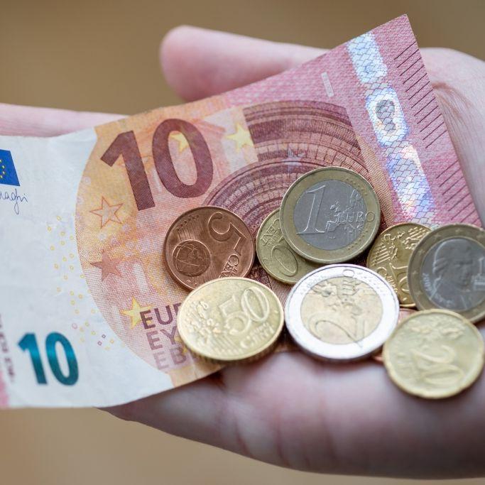 Sparkassen müssen blechen! So viel Geld kriegen Bankkunden jetzt zurück (Foto)