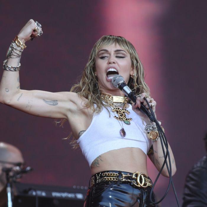 """Miley Cyrus zeigt ihren Fans ihren """"Vollmond"""" auf Instagram. (Foto)"""