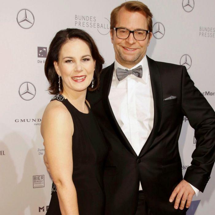 Vater und Klopp-Doppelgänger! DAS ist der Mann an Annalena Baerbocks Seite (Foto)
