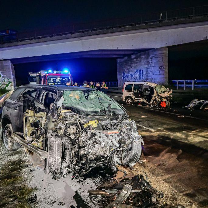 Geisterfahrer rast in Gegenverkehr - 3 Tote! (Foto)
