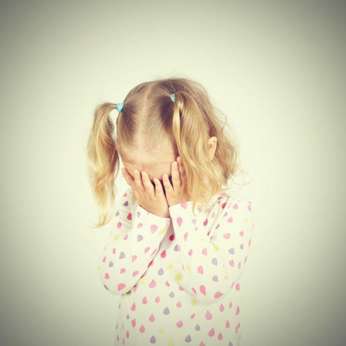 Gen-Defekt lässt Mädchen (1) zu Stein werden (Foto)