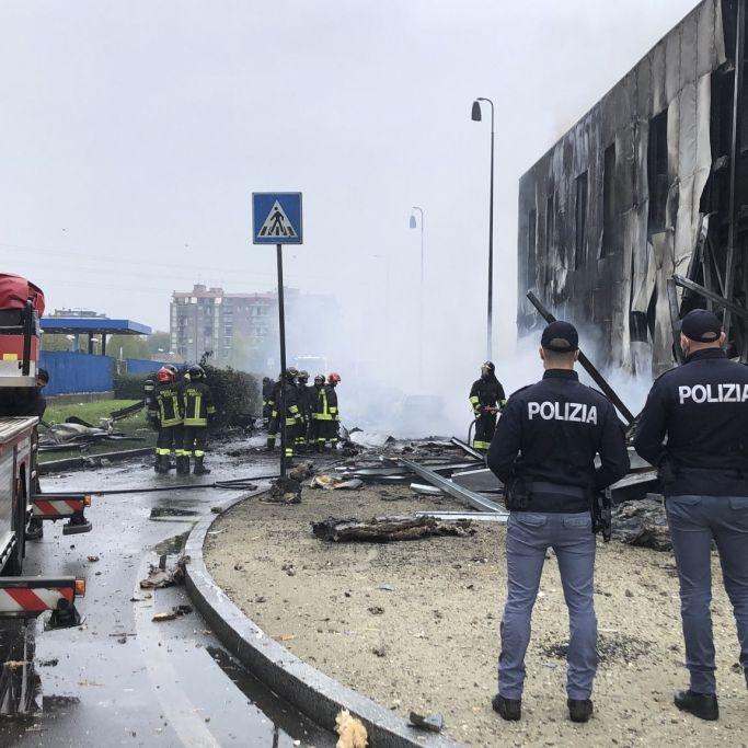 Kleinflugzeug kracht in Bürohaus - Milliardär und sieben weitere Menschen tot (Foto)