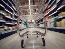 Im Supermarkt müssen Verbraucher:innen künftig deutlich tiefer in die Tasche greifen. (Foto)