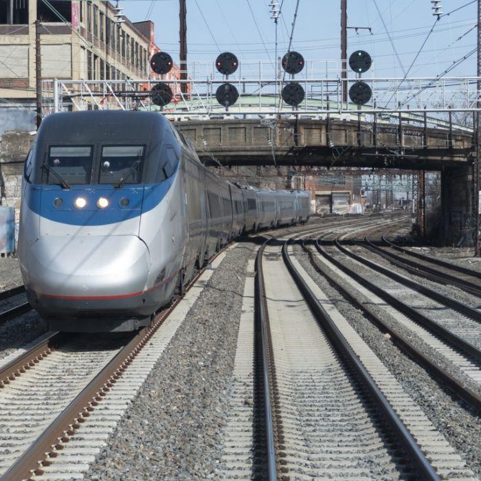 Frau in Zug vergewaltigt - niemand hilft ihr! (Foto)