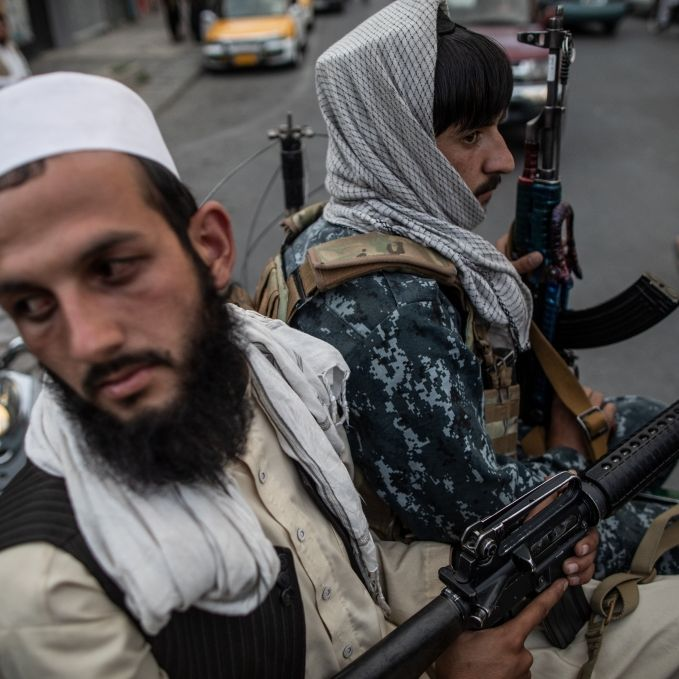 Schock-Fotos im Netz! Taliban enthaupten Volleyballerin (Foto)
