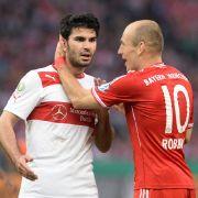 Ab jetzt spielen sie im selben Team: Serdar Tasci (damals noch beim VfB Stuttgart) und Arjen Robben. (Foto)
