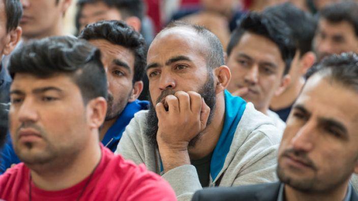 Abgelehnte Flüchtlinge dürfen in Deutschland bleiben. (Symbolbild) (Foto)