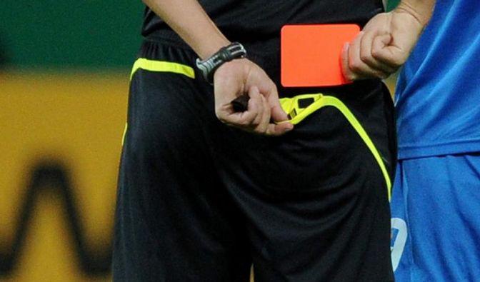 Abseits und Rote Karten: Fußball-Regeln sind heilig (Foto)