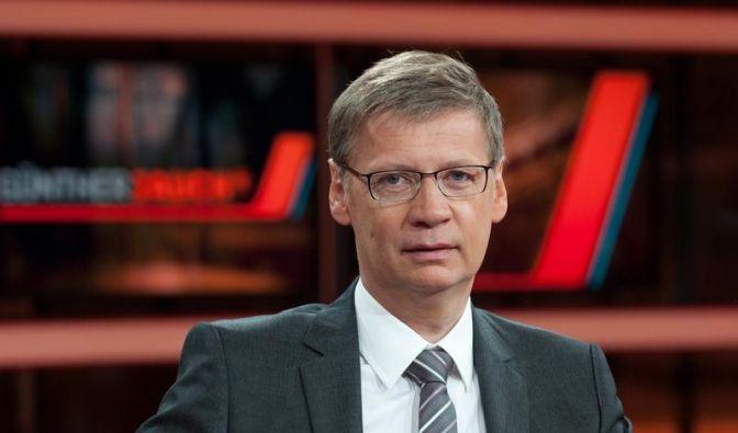Abzocke an der Zapfsäule? Der Buhmann der Talkrunde bei Günther Jauch stand schon vor der Sendung fe (Foto)