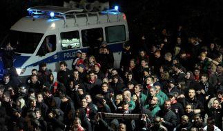 Acht verletzte Polizisten bei Fußball-Krawallen (Foto)