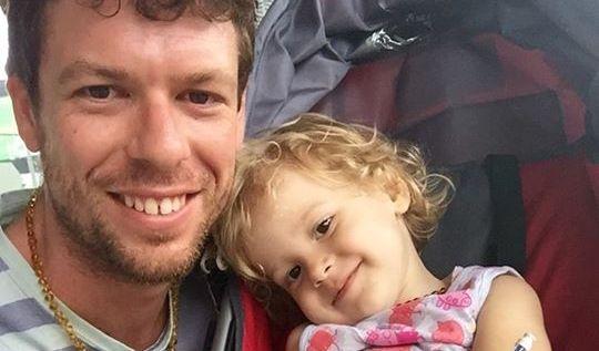 Adam Koessler kämpft um seine krebskranke Tochter Rumer Rose. (Foto)