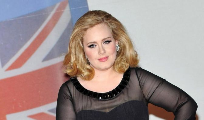Adele räumt bei Billboard Awards ab (Foto)