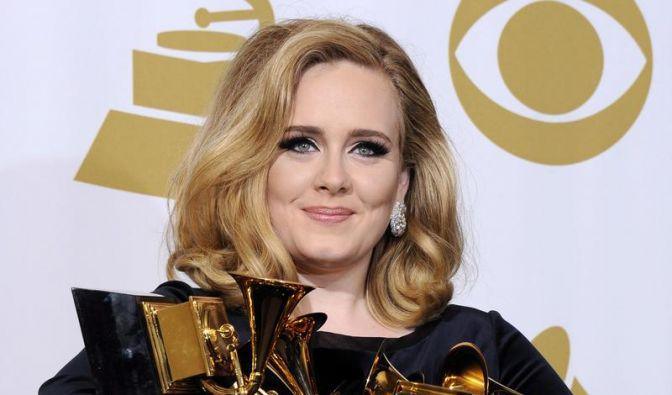 Adele und die Spice Girls (Foto)