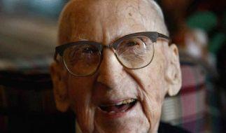 Ältester Mann der Welt stirbt mit 114 in den USA (Foto)