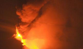 Ätna spuckt 500 Meter hohe Lavafontänen (Foto)