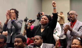 Afro-Amerikaner fordern einer gerechte Strafe für den mutmaßlichen Mörder von Trayvon Martin. (Foto)