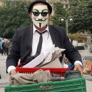 Aktivisten von Occupy müssen ihr Mahnwachen-Camp vor der Zentrale der Europäischen Zentralbank (EZB) in Frankfurt verkleinern. Das heißt: Umzugskisten packen.