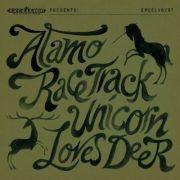 Für Fans phantastischer Geschichten genau das Richtige: Alamo Race Track erzählen von der Liebe zwischen einem Hirsch und einem Einhorn.