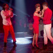 Alex (v.l.), Gianina und Fabian singen in Berlin beim Finale der Show Popstars.
