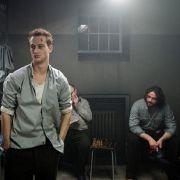 Alexander Fehling als Conny (links) und Ronald Zehrfeld als Matze (rechts) in dem Drama Wir wollten aufs Meer von Toke C. Hebbeln