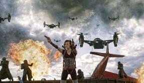 Alice (Milla Jovovich) ist wieder im Einsatz gegen Zombies und Monster. (Foto)