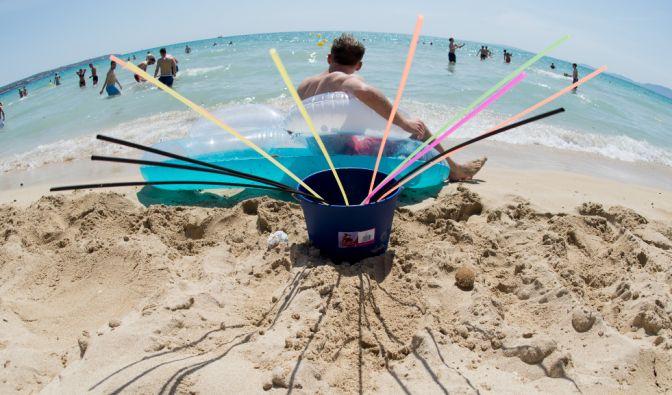 Alkohol am Strand? Nicht mehr am Ballermann! Wer dagegen verstößt, den erwarten hohe Geldstrafen. (Foto)