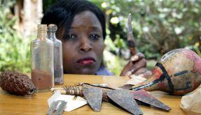 Alle elf Sekunden wird ein Mädchen durch die sogenannte rituelle Beschneidung verstümmelt - ein traumatisches Erlebnis, an dem Überlebende ihr Leben lang leiden. (Foto)