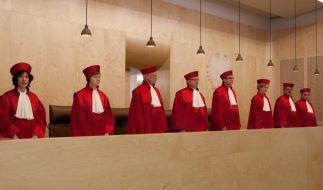 Allein 37.000 Bürger haben gegen den ESM geklagt: Es ist die größte Verfassungsbeschwerde in der Geschichte des Bundesverfassungsgerichtes. (Foto)