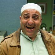 Im Film Alles Koscher! muss Mahmud ein Jude werden, damit er seinen Vater besuchen kann.