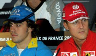 Alonso und Schumacher bei der Formel 1 in Magny-Cours vor zehn Jahren. (Foto)