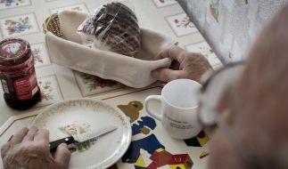 Altersarmut nimmt zu: Kein Zahnersatz, kein Urlaub (Foto)
