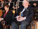 Altkanzler Helmut Schmidt und Ruth Loah, die neue Frau an seiner Seite. (Foto)