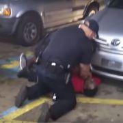 Polizei erschießt unbewaffneten Afroamerikaner aus nächster Nähe (Foto)