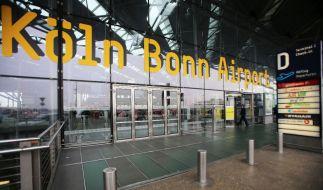 Am Flughafen Köln/Bonn stürzte sich ein Flüchtling in die Tiefe, um seiner Abschiebung zu entgehen. (Foto)